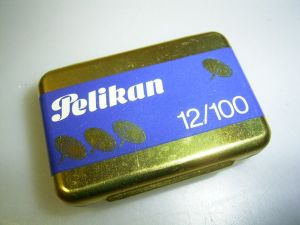 Pelikan box for 12/100