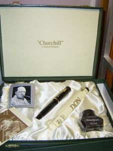 Conway Stewart Churchill pen, smooth black