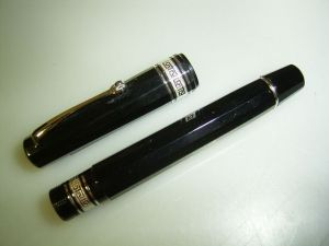 Omas Arte Italiana (?) pe, black/high tech