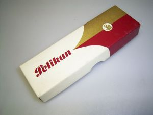 Pelikan box, red/white/gold